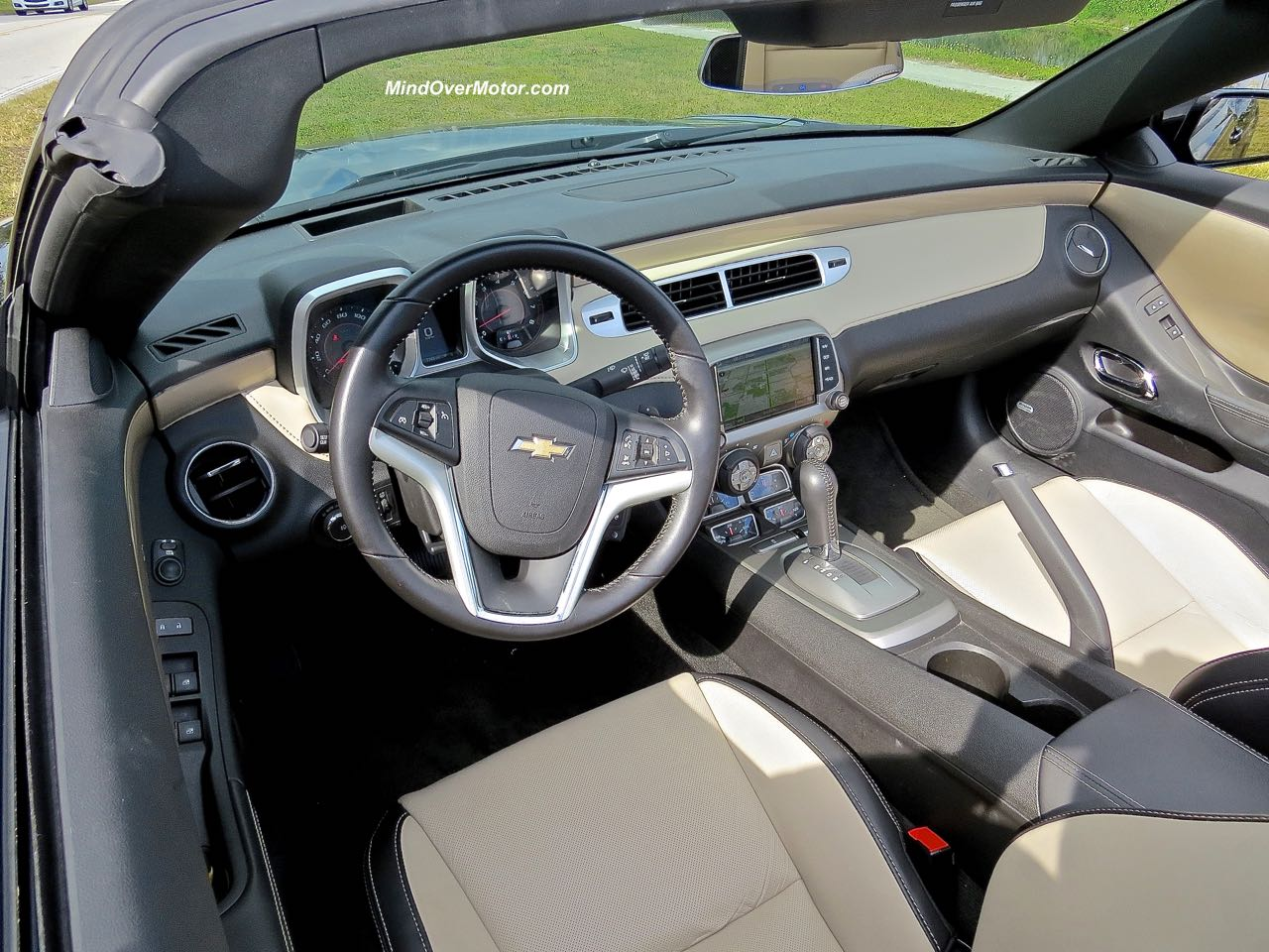 2015 Chevrolet Camaro Convertible Dashboard Detail