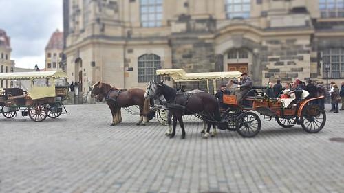 """Vyhlídková jízda kolem Frauenkirche, """"Kostel (naší) paní"""""""