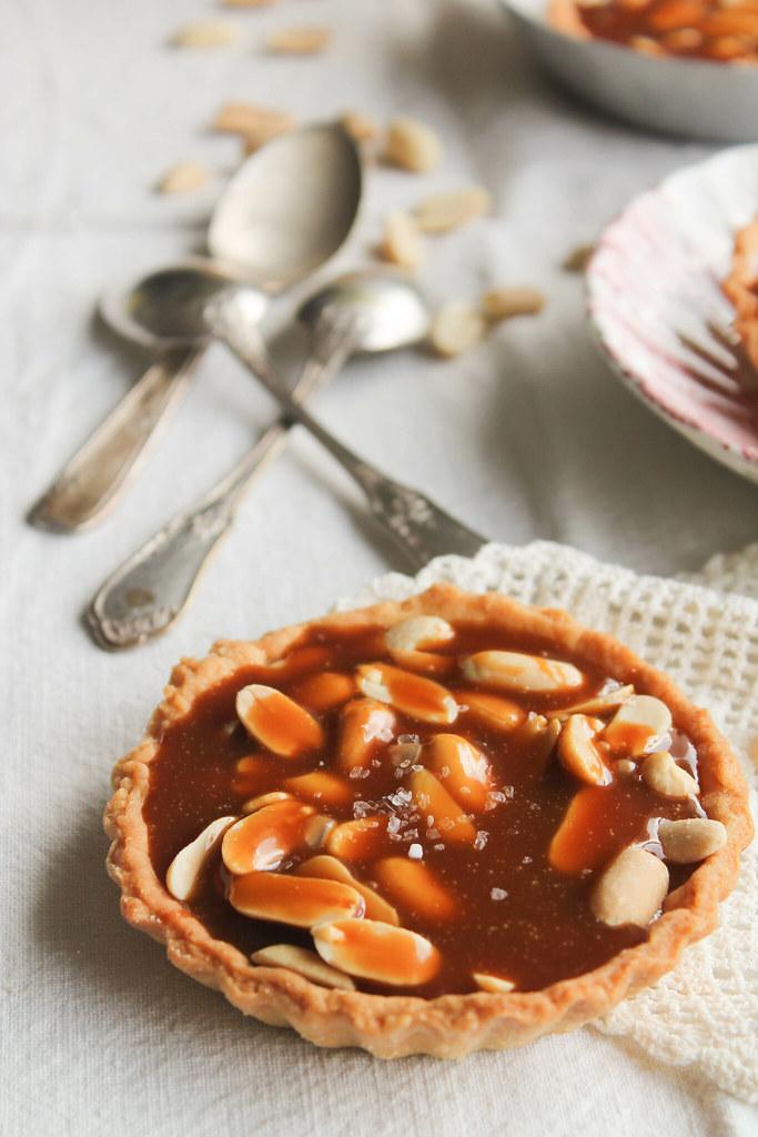 Tartelettes aux cacahuètes et caramel