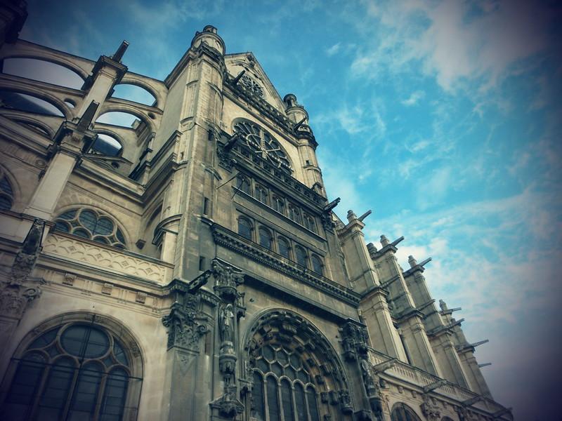 PARIS歌德式17度C的單人旅行