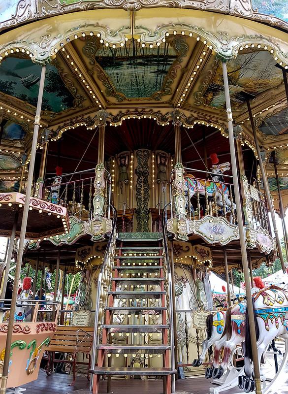Carousel Love