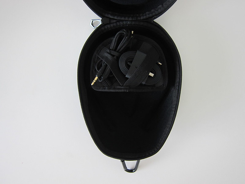 V-MODA Crossfade Wireless Headphones - Accessories Case In Carrying Case