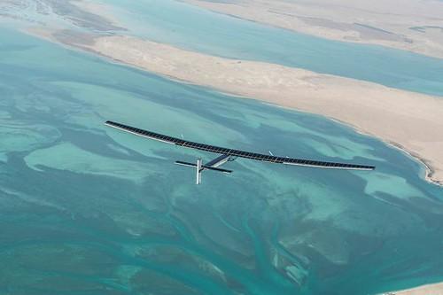 飛行中的太陽脈衝2號。圖片來源:SolarImpulse
