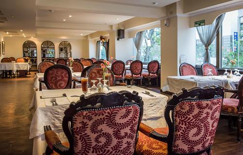 高雄50年牛排老店,新國際西餐廳堅持的傳統美味料理