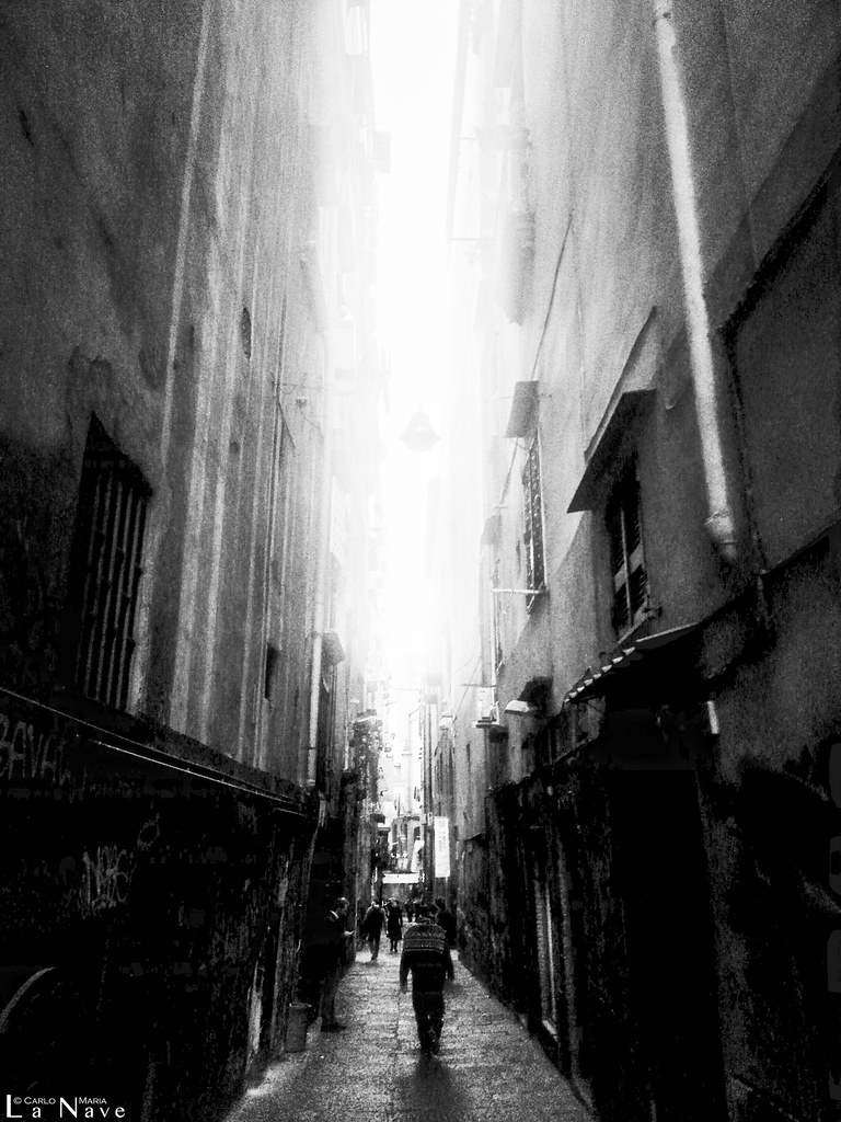 The Alley (into 'o vicu)