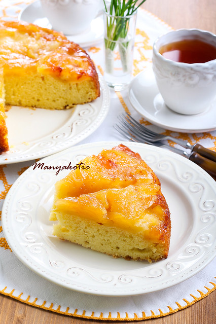 apple upside down sponge cake