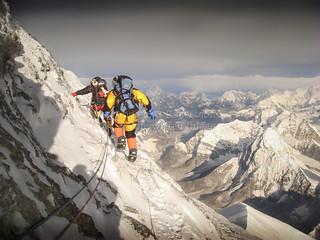 Traversing the summit pyramid
