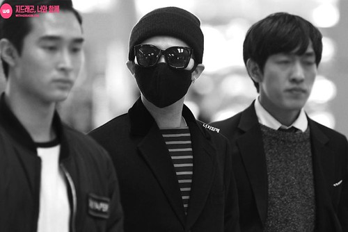 Big Bang - Incheon Airport - 01apr2015 - G-Dragon - With G-Dragon - 04