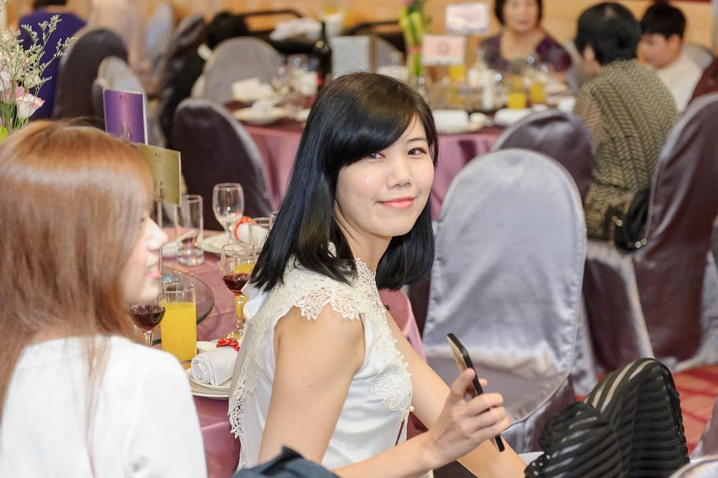 岳泰怡伶-175