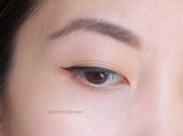 Dolly Wink Eyeliner eye swatch2