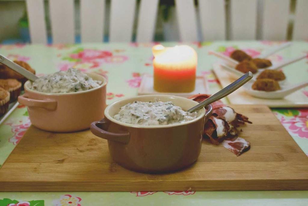 parmesan popovers & bohnen-dip zur craftbierjause