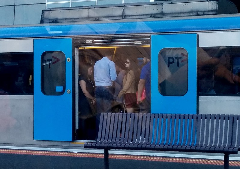 Dandenong line, AM peak at South Yarra