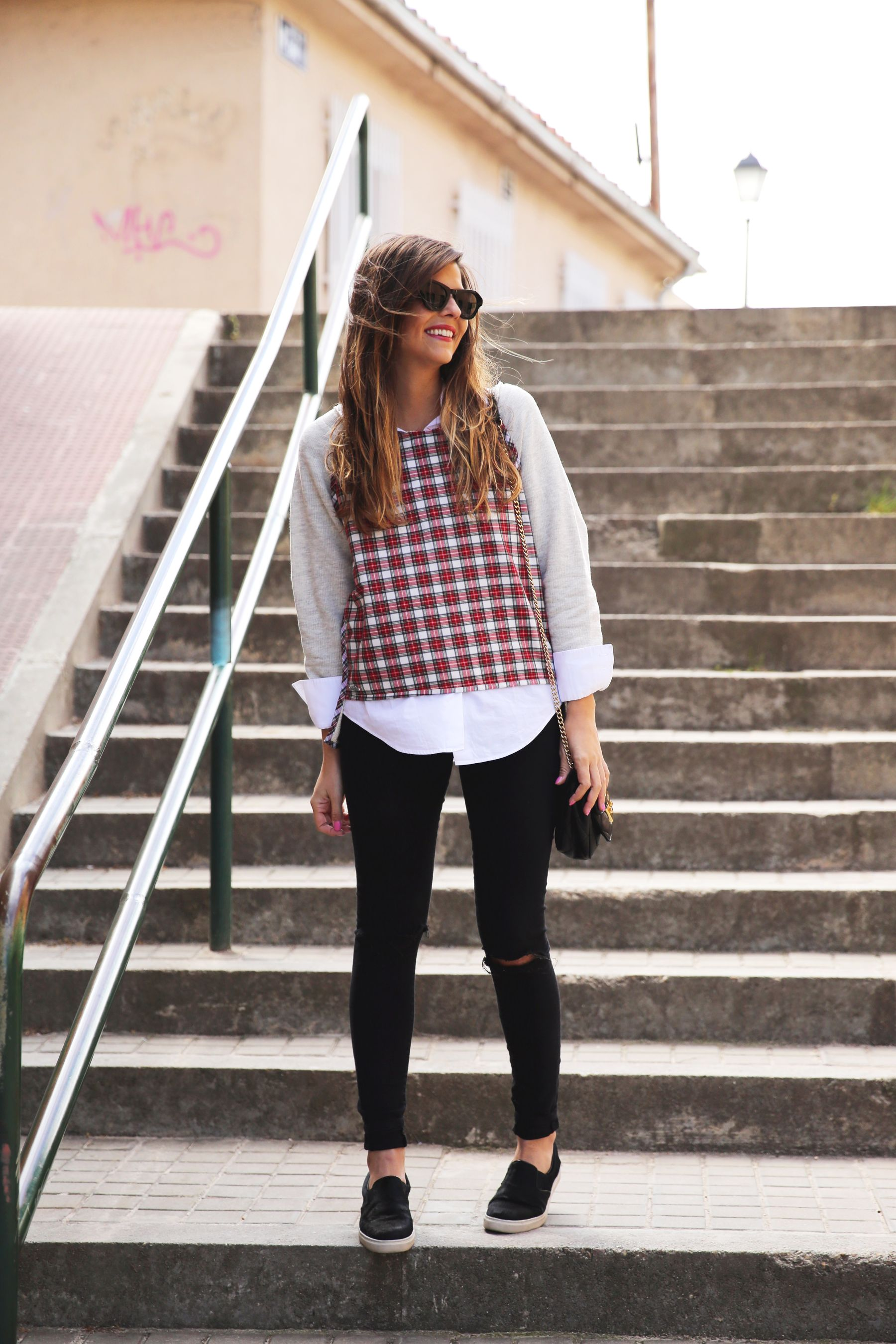 trendy_taste-look-outfit-street_style-ootd-blog-blogger-fashion-spain-moda-españa-steve-madden-plaid-shirt-camisa-cuadros-skinny-jeans-pitillos-negros-4