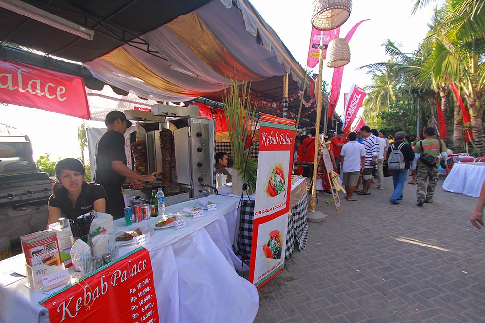 19. Kuta Karnival Food by bookndeal.com