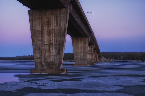 longexposure bridge ontario motion blur ice water evening spring twilight lakehuron northernontario northchannel 15seconds reinforcedconcrete stjosephisland trapezoidal nikcolorefex boxgirder highway548 tarbutttownship stjosephchannel bamfortisland xf1855mm fujixt1 brentgilbertsonbridge montagueislands