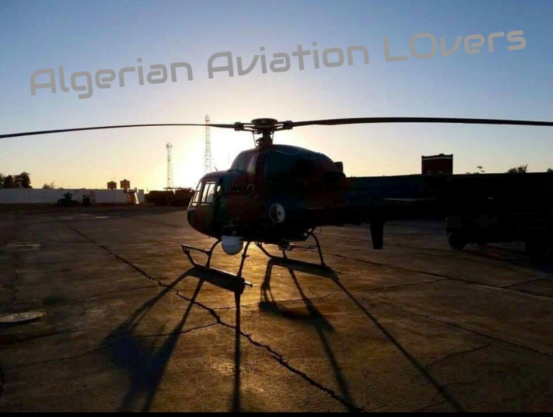 صور مروحيات القوات الجوية الجزائرية Ecureuil/Fennec ] AS-355N2 / AS-555N ] - صفحة 7 28476274715_d86eaa7a89_o
