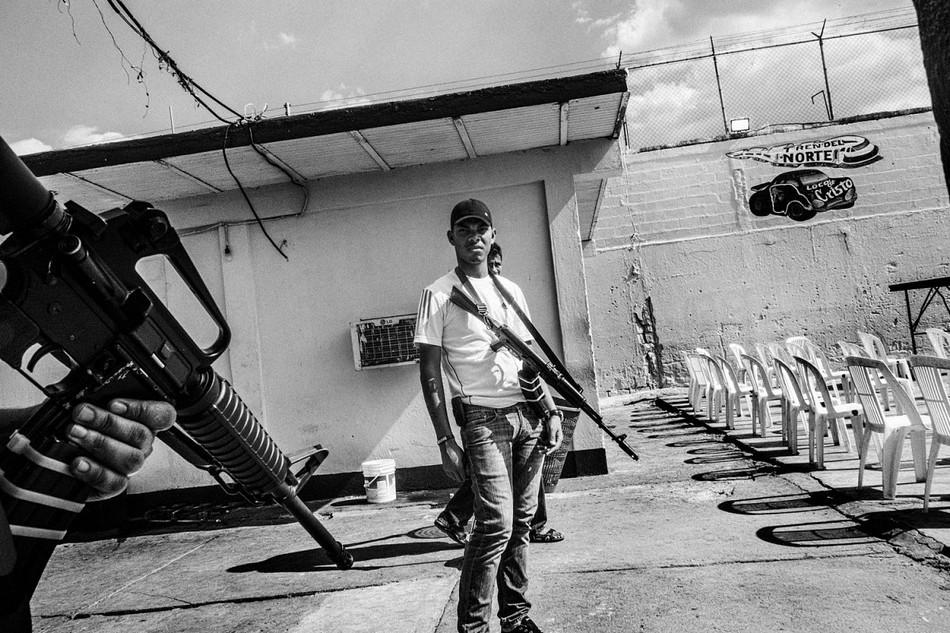 邊緣文化/委內瑞拉最危險監獄—牆內的混沌與罪惡26