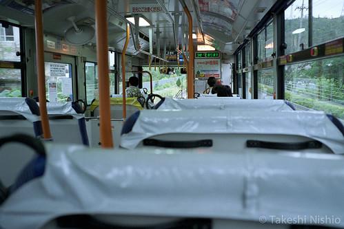 77番バスの車内 / #77 bus inside