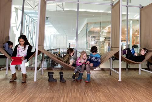 Barn på Kista bibliotek