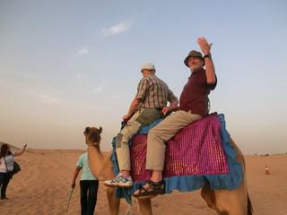 die Eingebornen haben sich wegen Aberglauben oder Neugier Dubai im ersten Augenblick gefürchtet 6516