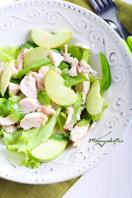 Green apple and chicken salad