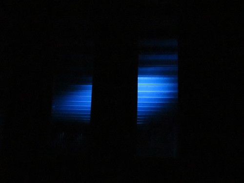 Blaue Stunde in der Kirche