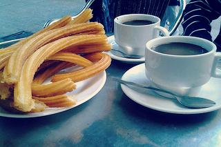http://hojeconhecemos.blogspot.com.es/2012/10/eat-chocolateria-san-gines-madrid.html