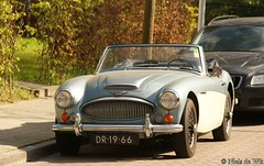 aston martin vantage(0.0), aston martin db4(0.0), aston martin db2(0.0), aston martin db6(0.0), aston martin db5(0.0), automobile(1.0), vehicle(1.0), austin-healey 100(1.0), austin-healey 3000(1.0), antique car(1.0), classic car(1.0), vintage car(1.0), land vehicle(1.0), coupã©(1.0), convertible(1.0), sports car(1.0),