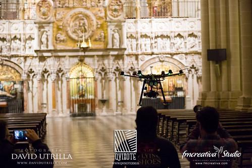 Drone volando en la Catedral de Toledo