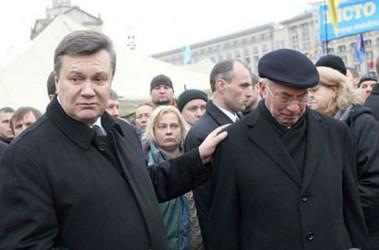 Янукович і Азаров не отримують пенсії від України