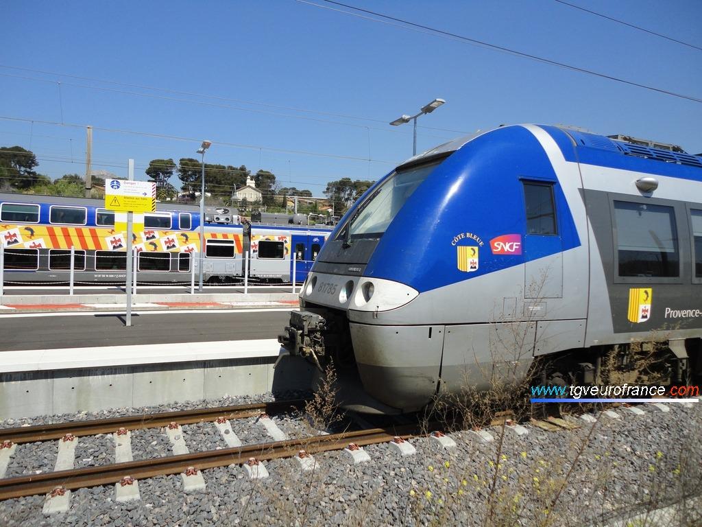 """L'Autorail ` Grande Capacité de Bombardier Transport (rame B81785-B81786 SNCF baptisée """"Côte Bleue"""")"""