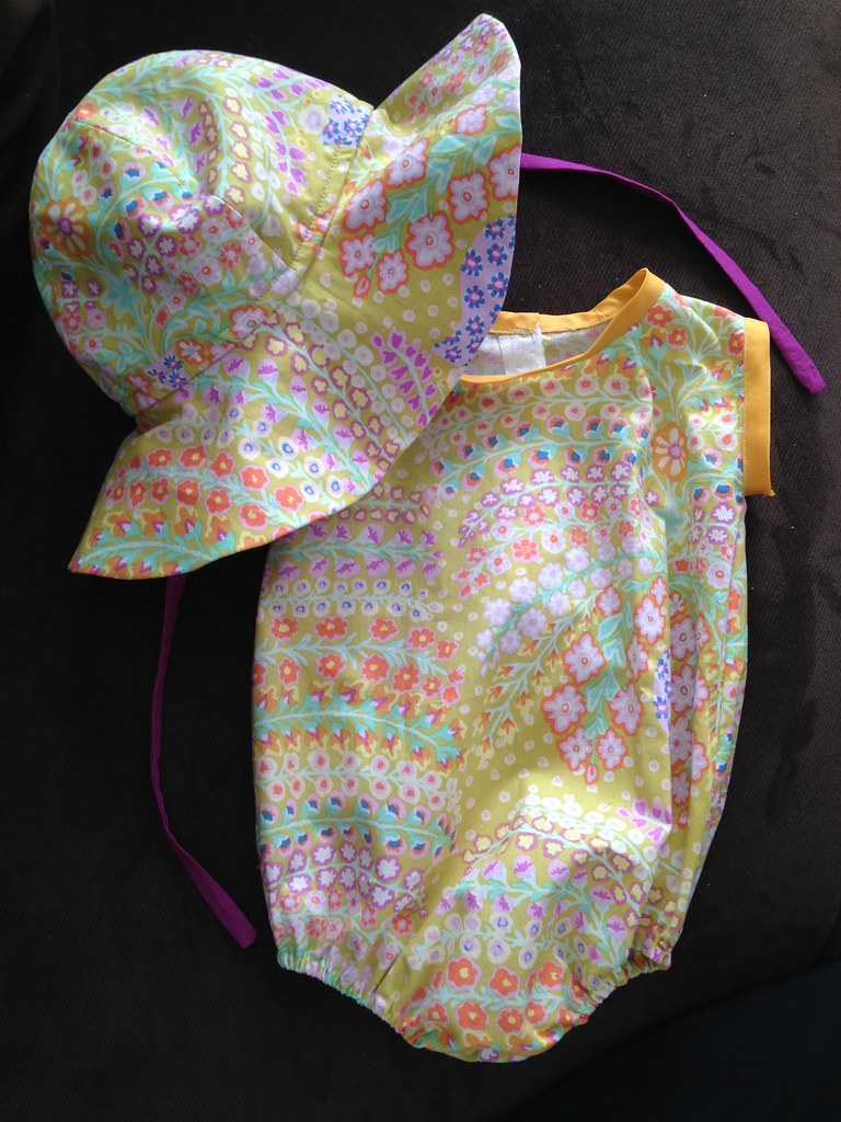 NL6360 Hat & Oliver and S Layette Set
