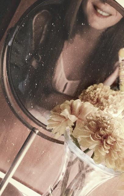 #smile #flowers #mirror #teeneger #hello #summer #kisses