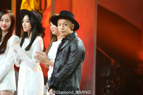 Taeyang-GoldenDisc-Awards-mainshow-20150114-HQs-creditonpicl-1