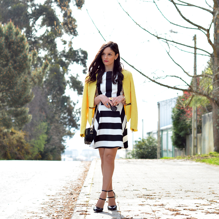 zara_outfot_yellow_chaqueta_amarillo_como combinar_rayas_striped_axparis_05