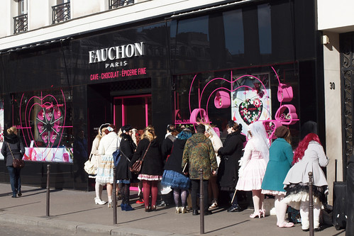 Waiting at Fauchon