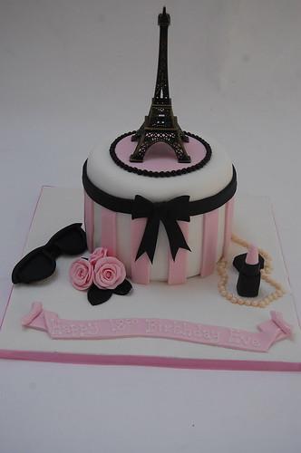 Awesome Eiffel Tower Cake Beautiful Birthday Cakes Funny Birthday Cards Online Aeocydamsfinfo