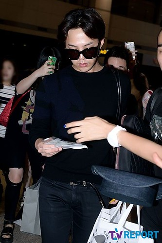 gdragon_return_from_chengdu_incheon-20140615 (7)