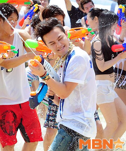 GDragon_WaterWorld_CF-Event_20140704 (8)