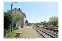 Assier. Train for Brive approaching. 8.4.11 - Photo of Saint-Simon