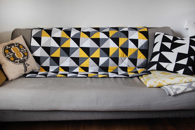 Living Room Quilts a grellow living room quilt | what katie sews