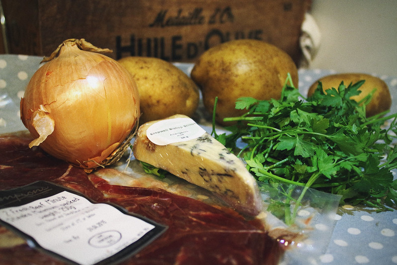 Steak and Blue Cheese Gousto box ingredients