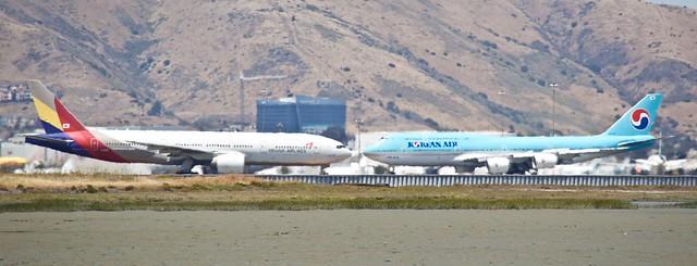 Heatwaves... Asiana 777 -200 Korean Air 747-8 DSC_0684