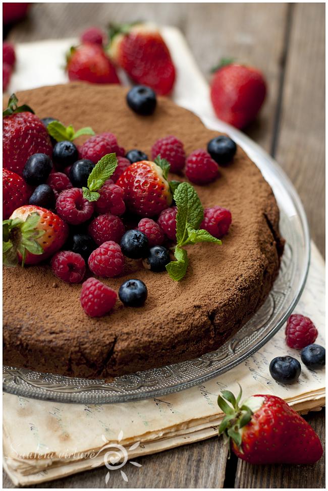 Šokoladinis migdolų miltų pyragas (4)