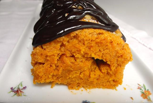 Torta de cenoura com cobertura de chocolate