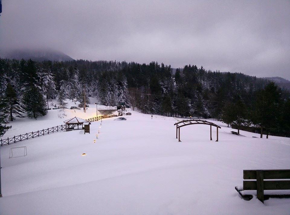 ...για του λόγου το αληθές... το Δασικό Χωριό πνιγμένο στο χιόνι | Photo (c) Θανάσης Καραγιάννης