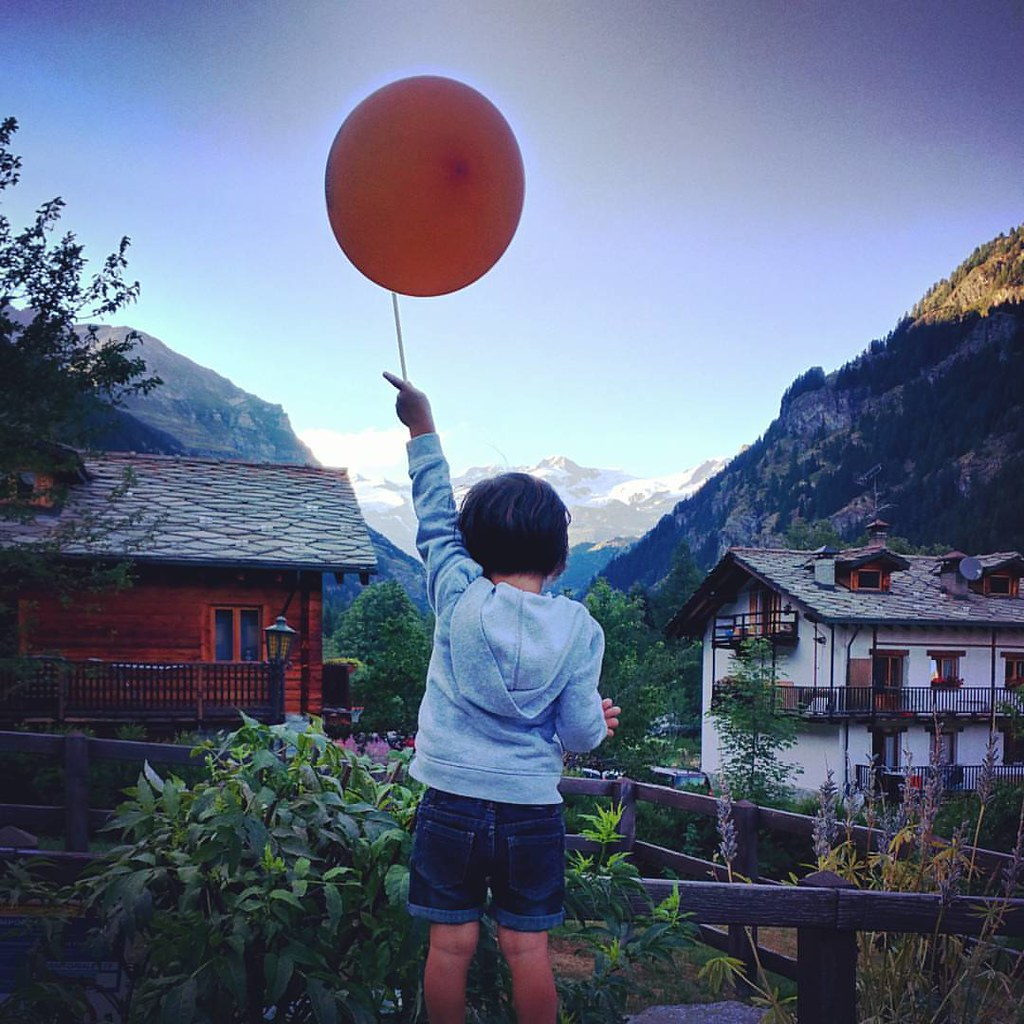 #up to the #sky  #baloon #gressoney #margherita #monterosa #orange #photooftheday #instadaily #instagood #summer