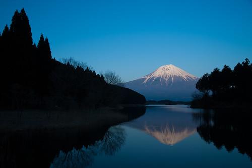湖面上の富士