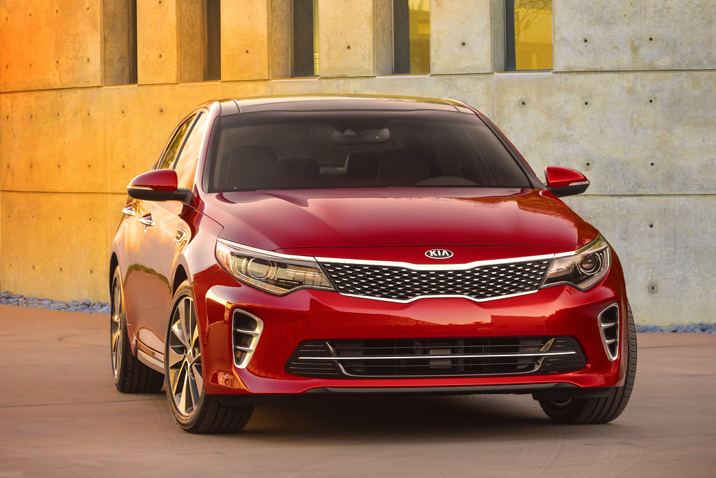 2016 Kia Optima makes global debut at New York Auto Show