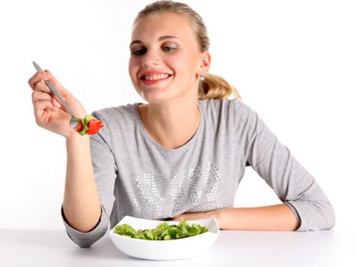 Найкорисніші весняні салати
